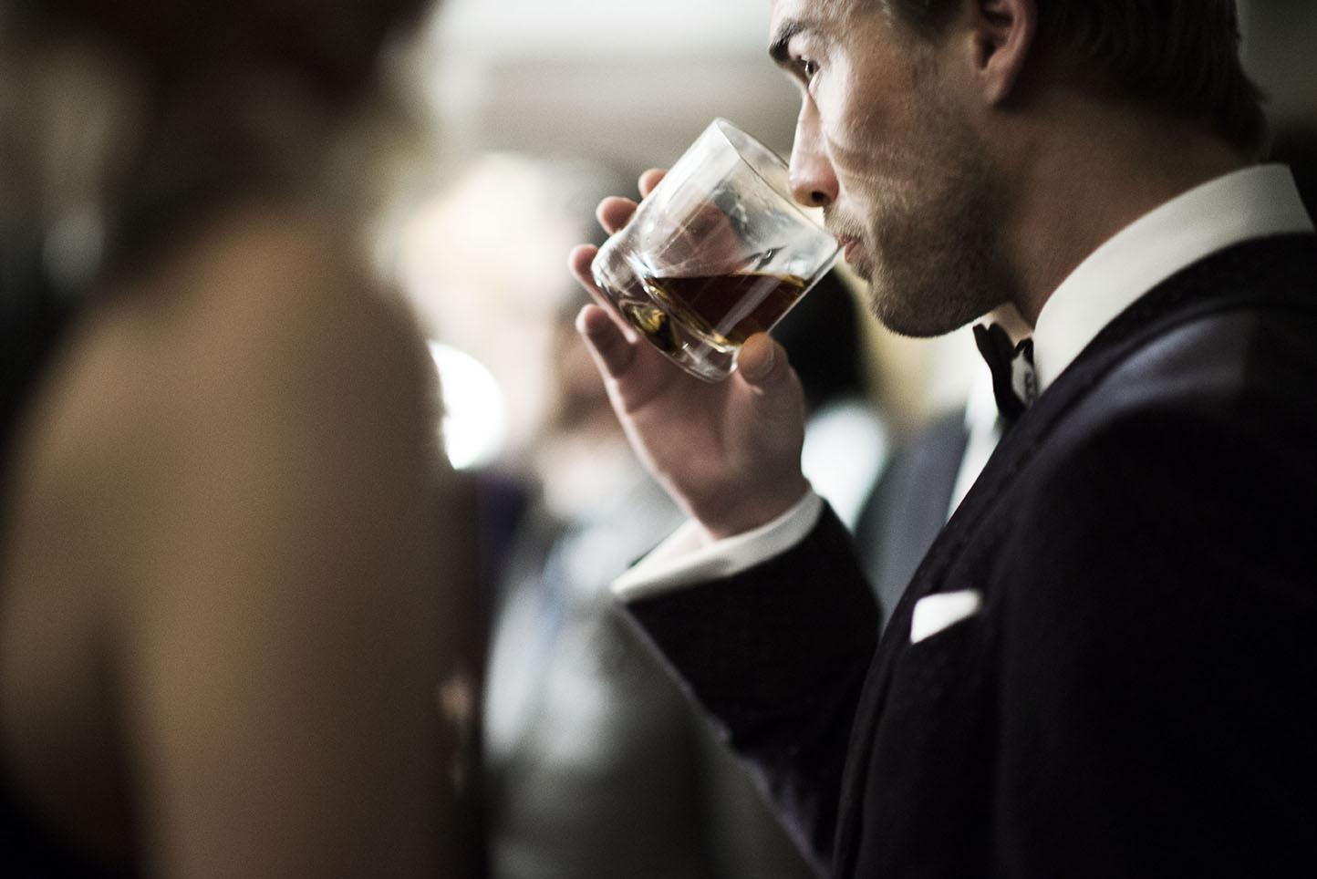 Vinul rosu si erectia - vreo legatura? - Doctor MIT