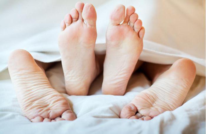 penisul unui bărbat este mic și subțire